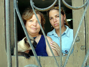 Photo: wives of cuban dissidents. Tracey Eaton photo.