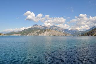 Photo: Lac de Serre-Ponçon, Alpes, France