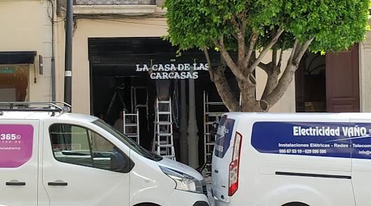 Vuelve la vida: un nuevo comercio prepara su apertura en el Paseo de Almería