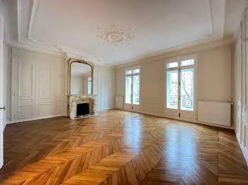 Appartement 4 pièces 155,61 m2