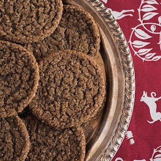 Soft & Chewy Gingerbread Cookies Recipe