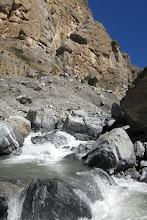 Photo: En aval de la cascade de la Dhechyang khola