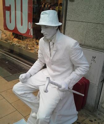 statua vivente di Antonio De Felice