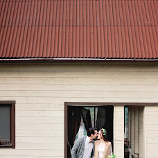 Wedding photographer Lera Batura (batura). Photo of 13.11.2016