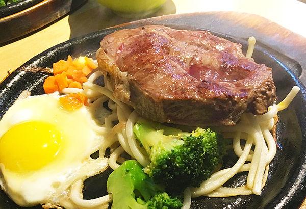 |新北|板橋-厚切牛排.來大口吃肉吧!超人氣排隊名店,平價牛排大推薦!板橋美食/排隊美食