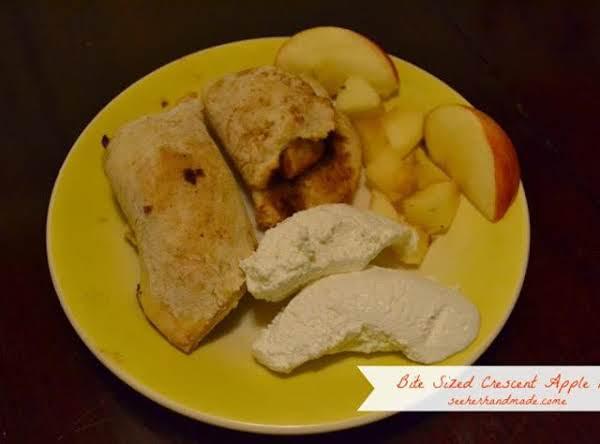 Bite Sized Crescent Apple Pies