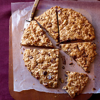 Oatmeal-Chocolate Chip Cookie Pizza