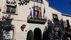 Ayuntamiento de Esplugues de Llogregat.