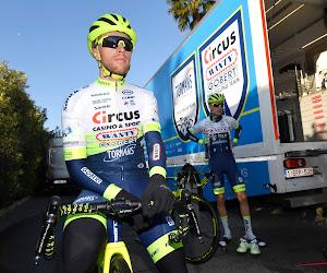 """""""Dat zag er niet goed uit"""": Renner van Belgische ploeg breekt sleutelbeen bij verkenning Strade Bianche"""