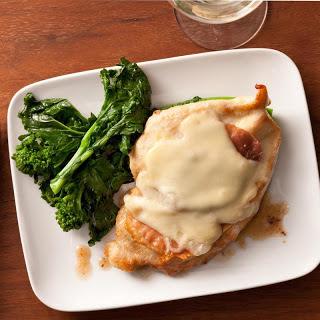Pollo alla Valdostana (Chicken with Prosciutto and Fontina Cheese)