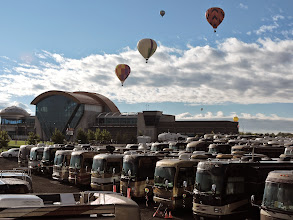 Photo: coaches - looking toward balloon museum