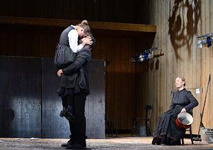Photo: Wien/ Theater in der Josefstadt: JÄGERSTÄTTER von Felix Mitterer. Inszenierung: Stephanie Mohr, Premiere 20.6.2013. Gerti Drassl, Gregor Bloeb, Elfriede Schüsseleder. Foto: Barbara Zeininger