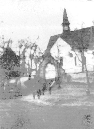 Zdjęcie: Kościół wChrobrzu lata 50 te (fot. zarch. Izabela Rogóż zdomu Dobaj)