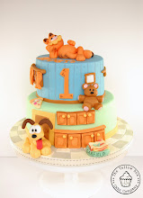 Photo: Garfield and Odie Birthday Cake by The Yellow Bee Cake Company (7/14/2012) View cake details here: http://cakesdecor.com/cakes/21573
