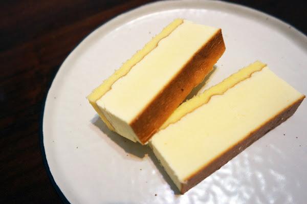 安格 高鈣乳酪蛋糕|台南古早味蛋糕|簡單純粹的美味蛋糕|高品質現烤出爐|香軟蓬鬆濃郁爆表