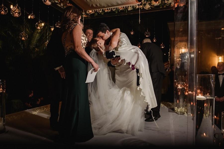 Wedding photographer Víctor Martí (victormarti). Photo of 08.03.2017