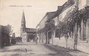 Photo: Orgueil (82) - Entrée du village venant de Nohic début des années 1900 - Carte envoyée à Mr Guilhempuy 8e Génie à Tours
