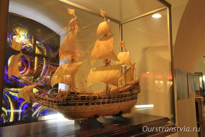 Достопримечательности Калининграда - Музей янтаря, изделия из янтаря