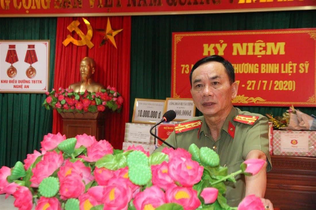 Đại tá Lê Xuân Hoài, Phó Giám đốc công an tỉnh phát biểu tri ân các thương bệnh binh.