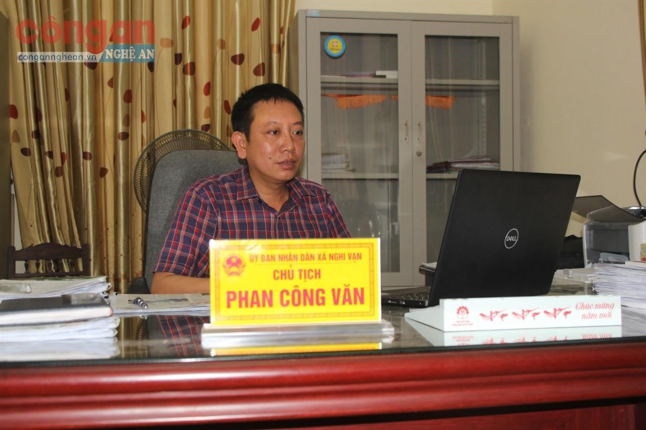 Đồng chí Phan Công Văn,                                     Chủ tịch UBND xã Nghi Vạn