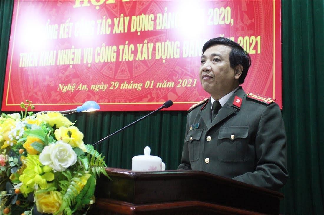Đồng chí Đại tá Hồ Văn Tứ – Phó Bí thư Đảng ủy, Phó Giám đốc Công an tỉnh phát biểu chỉ đạo Hội nghị.