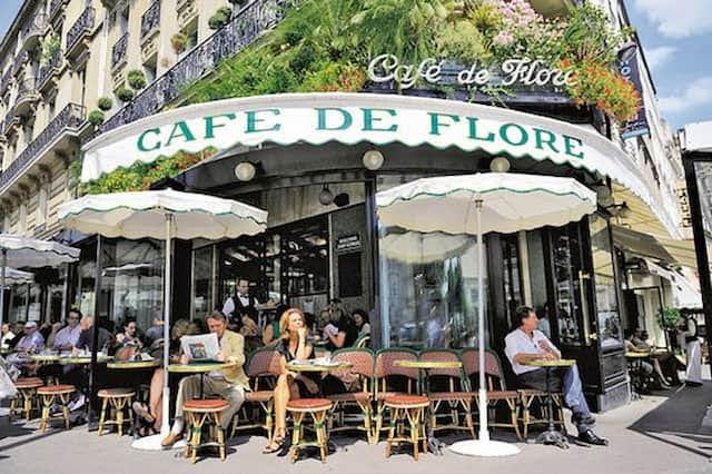 エミリー、パリへ行く Thomas(トマ)と出会う カフェ・ド・フロール Café de Flore