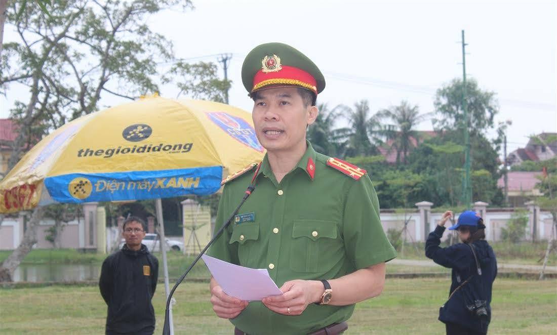 Đồng chí Đại tá Đại tá Cao Minh Huyền, Phó Giám đốc Công an tỉnh phát biểu