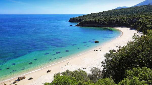 Praia_Galapinhos