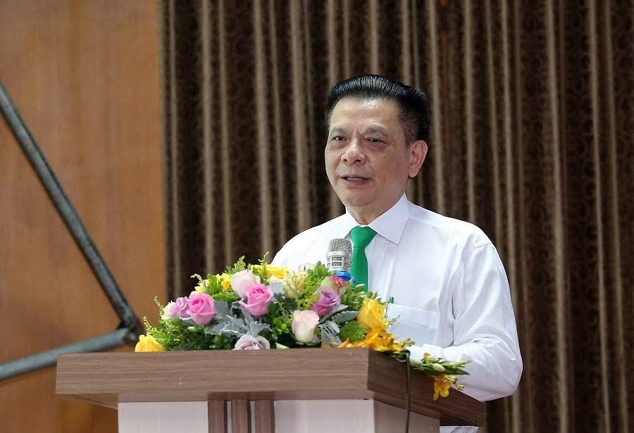 Ông Hồ Huy - Chủ tịch HĐQT, Chủ tịch Tập đoàn Mai Linh phát biểu triển khai thí điểm mô hình xe taxi công nghệ tại Nghệ An