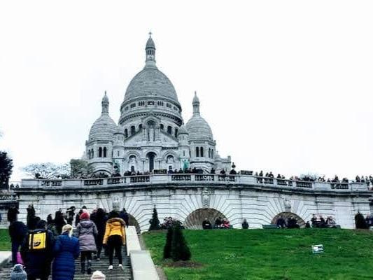 エミリー、パリへ行く 最後のインスタ / サクレ・クール寺院