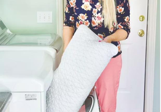 Sai lầm khi sử dụng máy sấy quần áo là bỏ quán nhiều quần áo hoặc quá ít