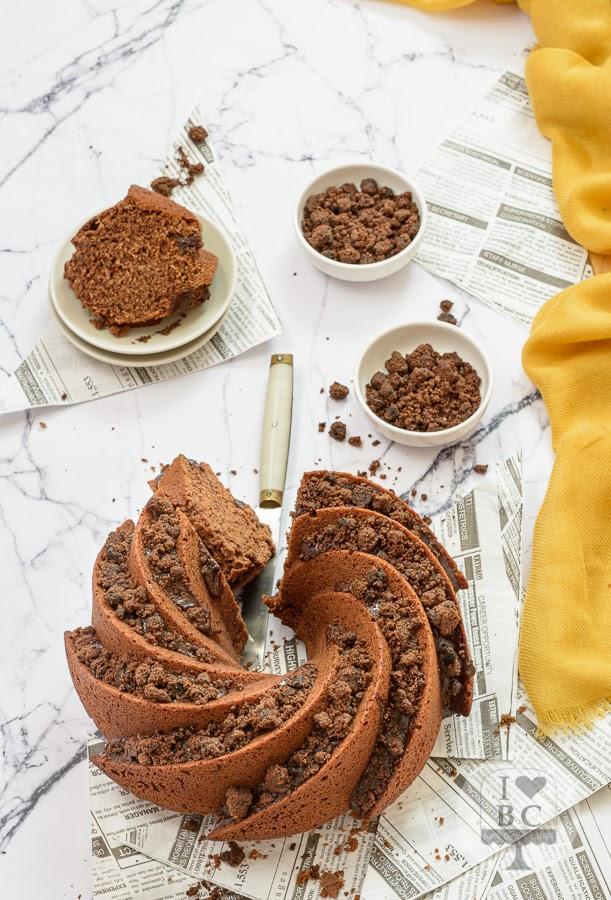 Bundt Cake de chocolate y crumble