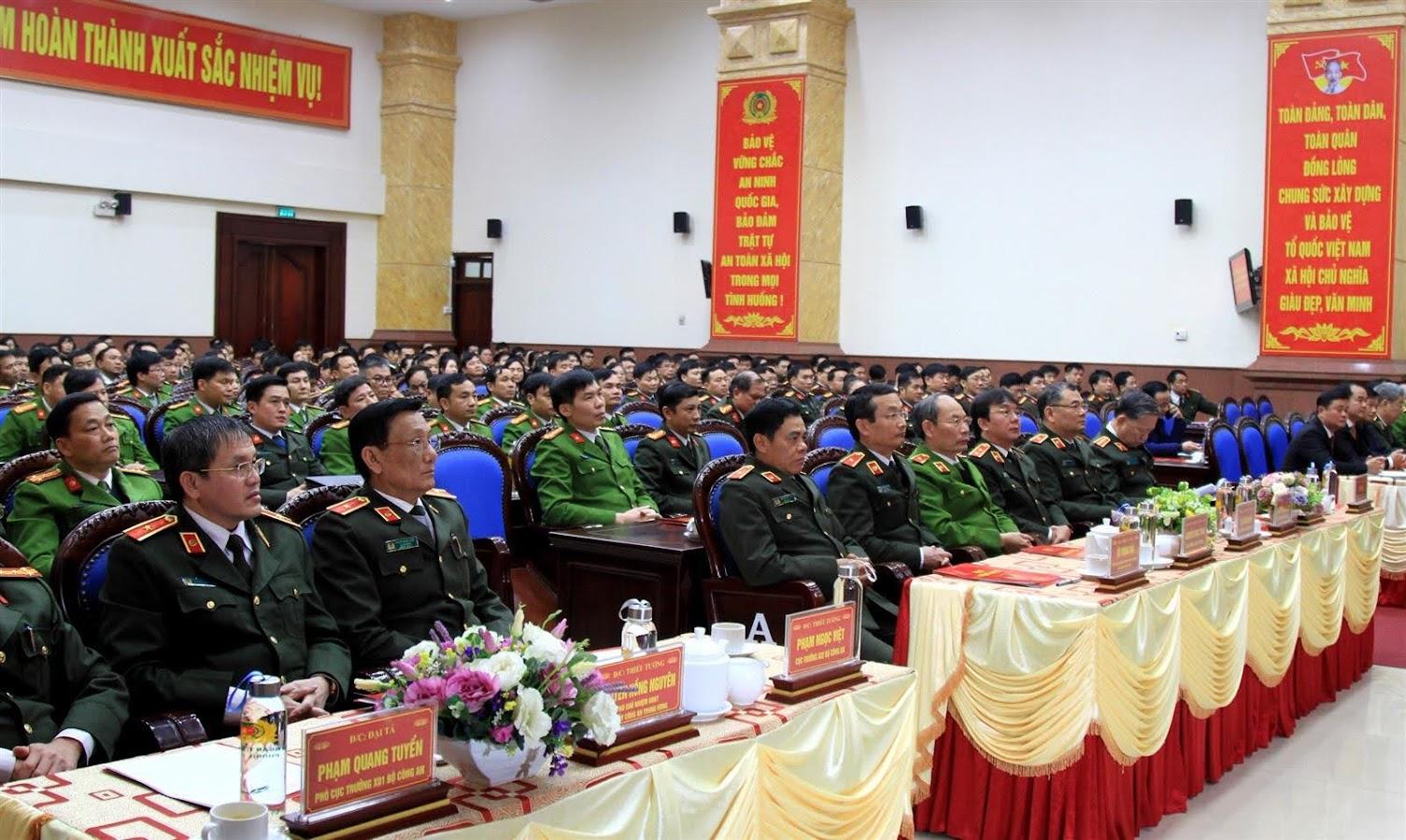 Các đại biểu tham dự buổi làm việc của Bộ trưởng Tô Lâm với Công an Nghệ An