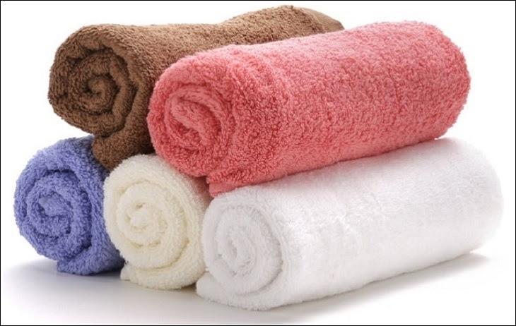 Khăn bông không nên cho vào máy giặt để giặt