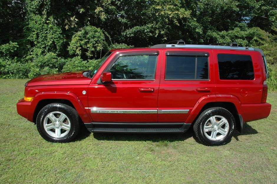 2010 Jeep Commander HEMI Red