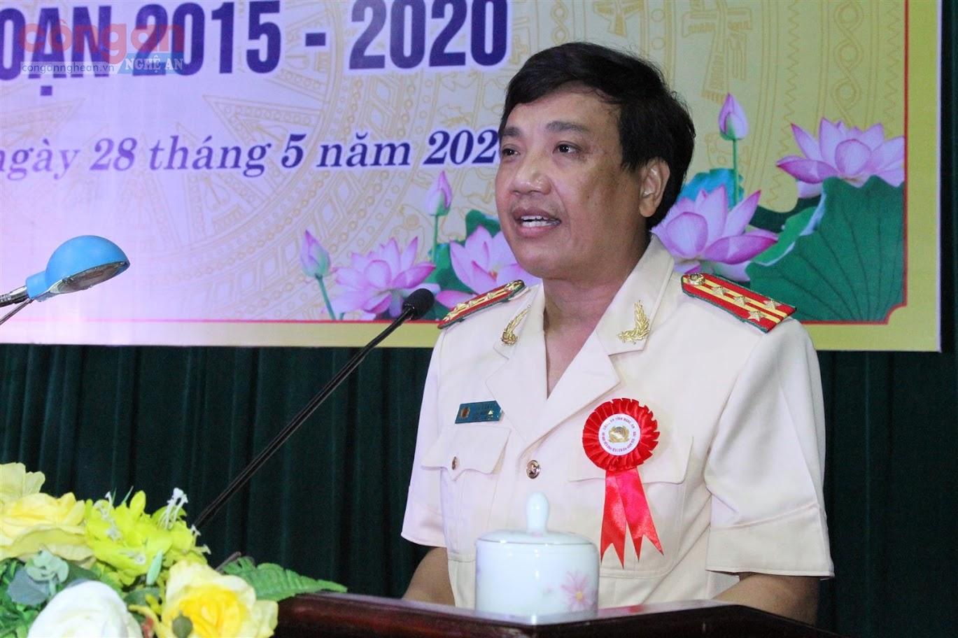 Đồng chí Đại tá Hồ Văn Tứ, Phó Giám đốc Công an tỉnh phát động phong trào thi đua