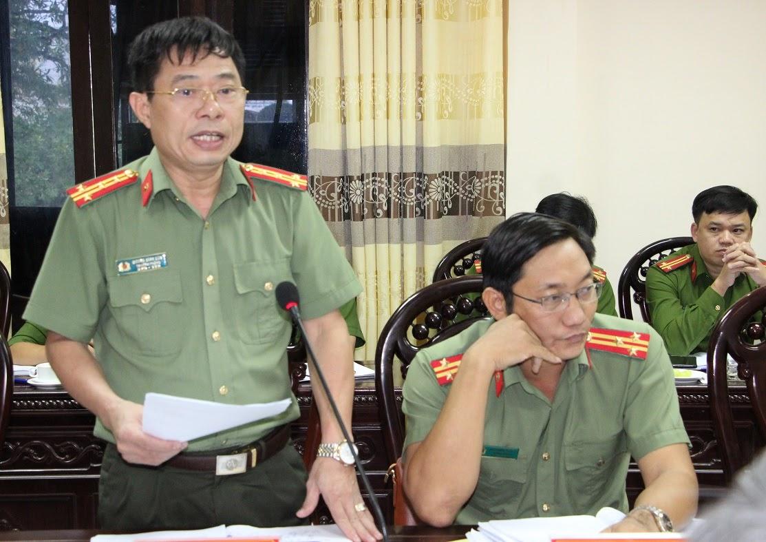 Lãnh đạo một số phòng nghiệp vụ Công an tỉnh phát biểu tại buổi làm việc