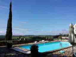 エミリー、パリへ行く the pool at camille's house Domaine de Beauséjour