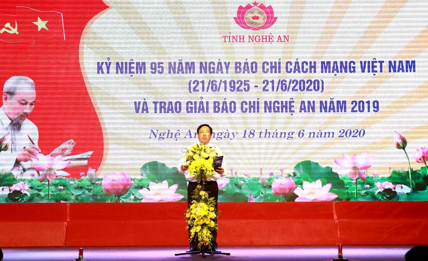 Đồng chí Trần Duy Ngoãn, Chủ tịch Hội nhà báo Việt Nam tỉnh Nghệ An phát biểu