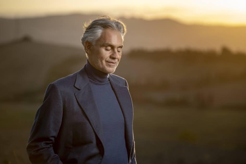 上帝美聲 安德烈波伽利 ( Andrea Bocelli )宣布 12 月再度線上開唱 樂迷期盼共度聖誕佳節