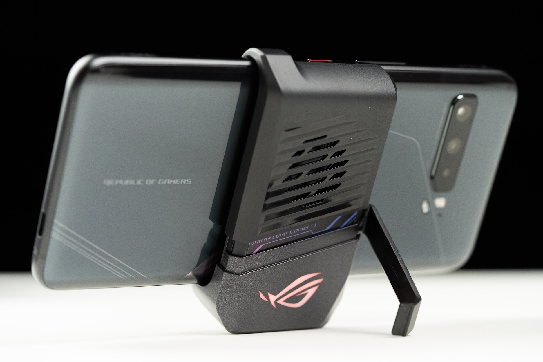 ASUS ROG Phone 3 s865+更新後的4G爆ping延遲問題實測