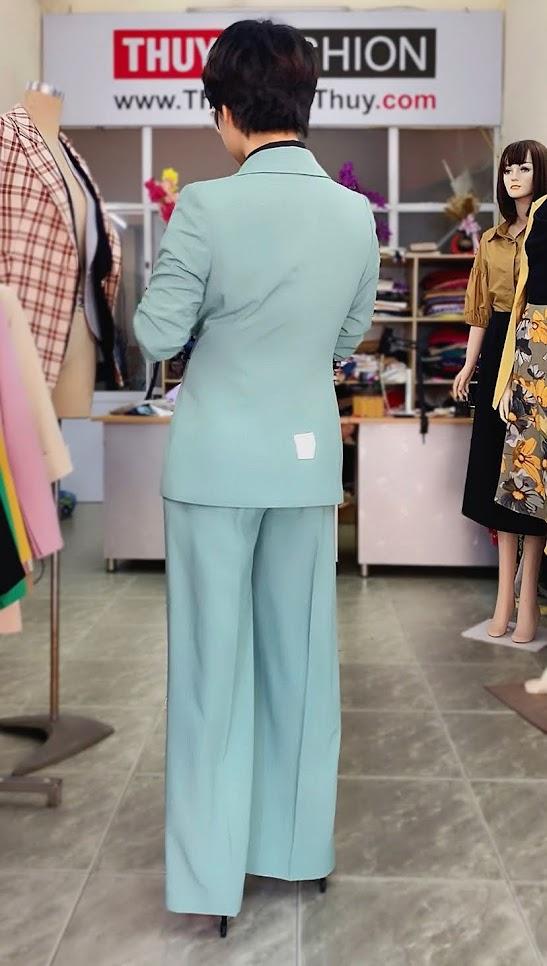 Áo vest nữ mix đồ quần ống suông màu xanh V726 thời trang thủy thái bình