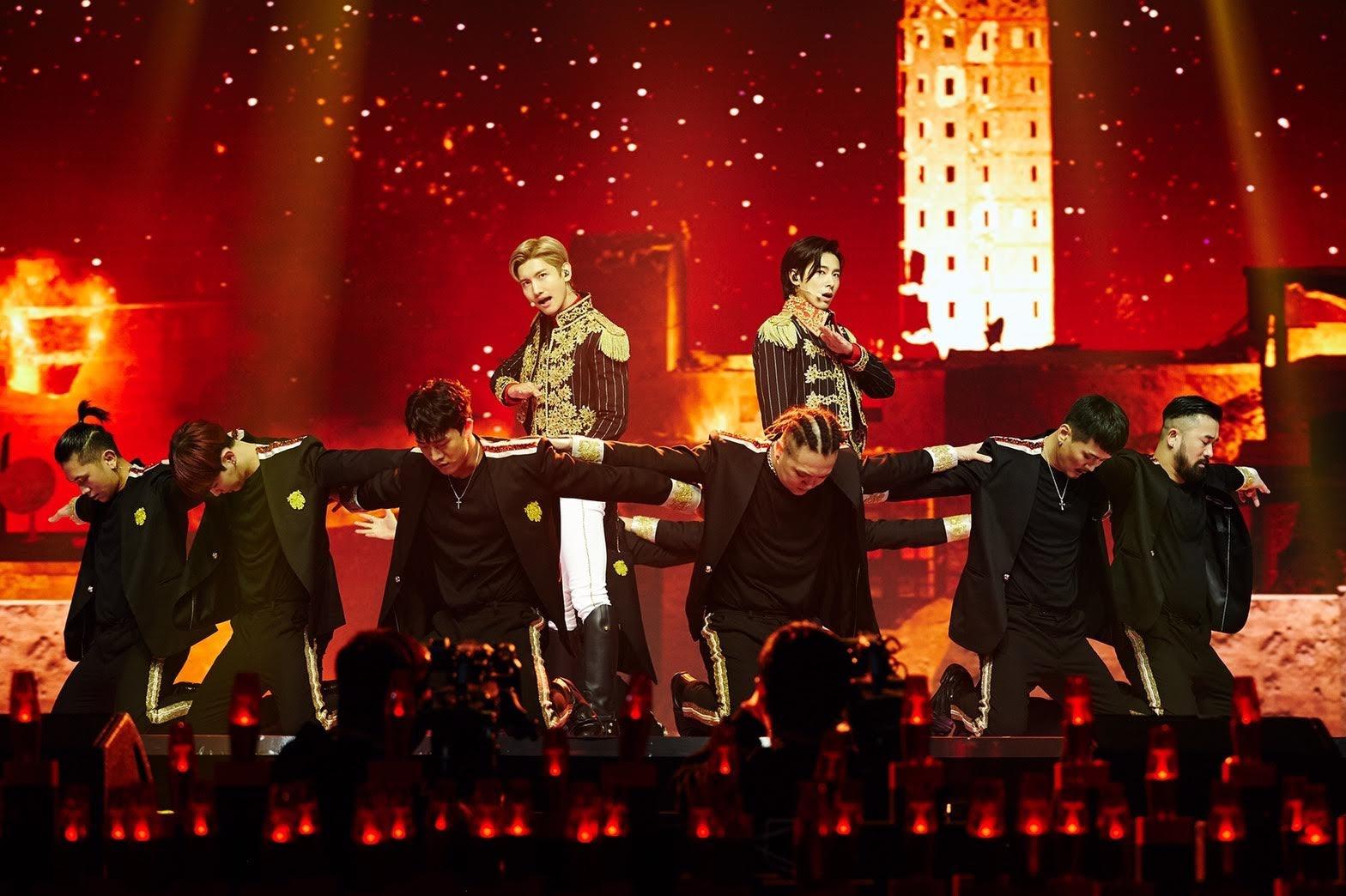 東方神起 史上第一次的線上直播演唱會「Beyond LIVE」帶來震撼的演出!