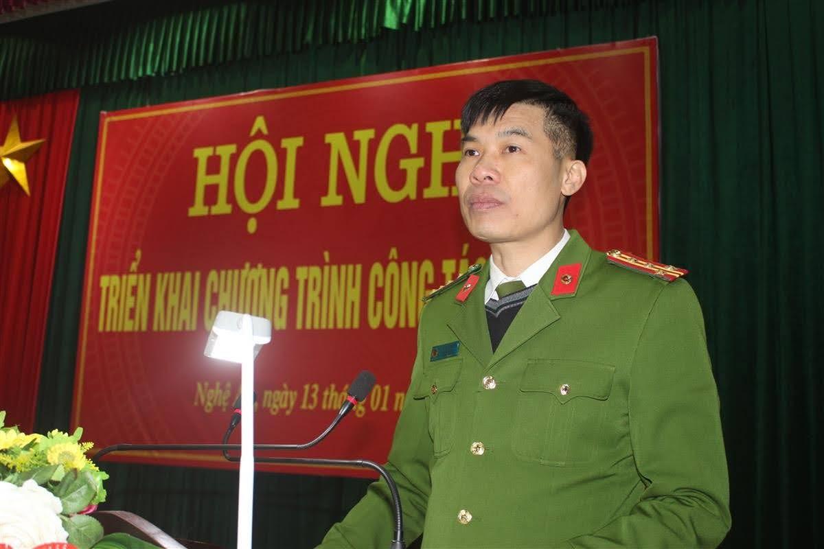 Đại tá Cao Minh Huyền, Phó Giám đốc Công an tỉnh phát biểu chỉ đạo tại hội nghị