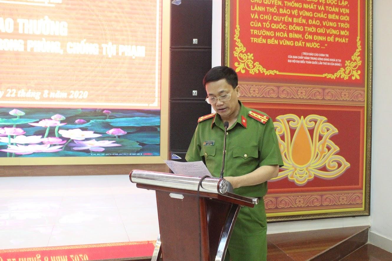 Đồng chí Đại ta Nguyễn Mạnh Hùng, Phó Giám đốc Công an tỉnh phát biểu
