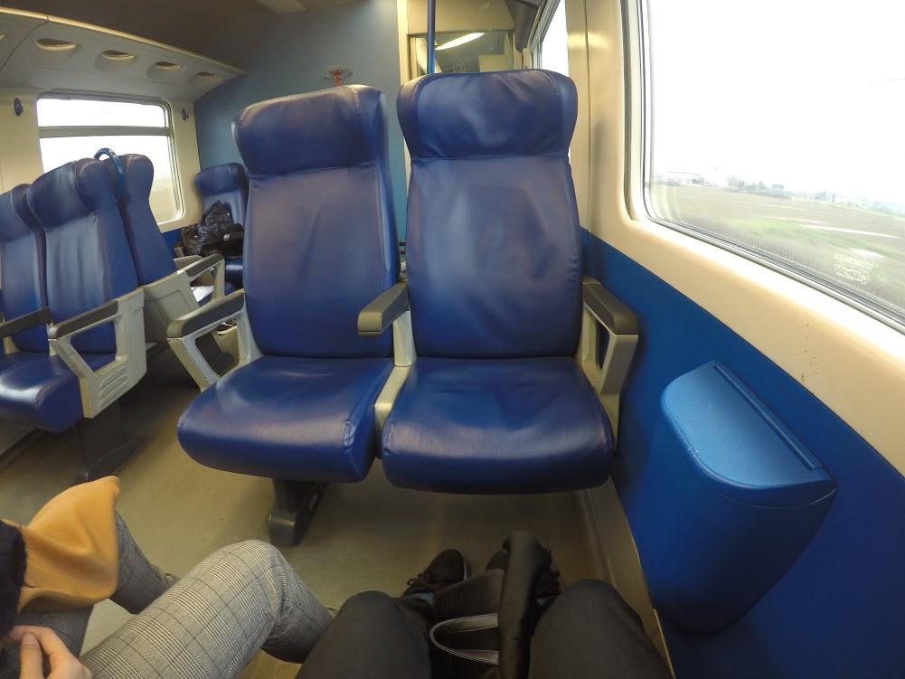ピサ行きの電車の中