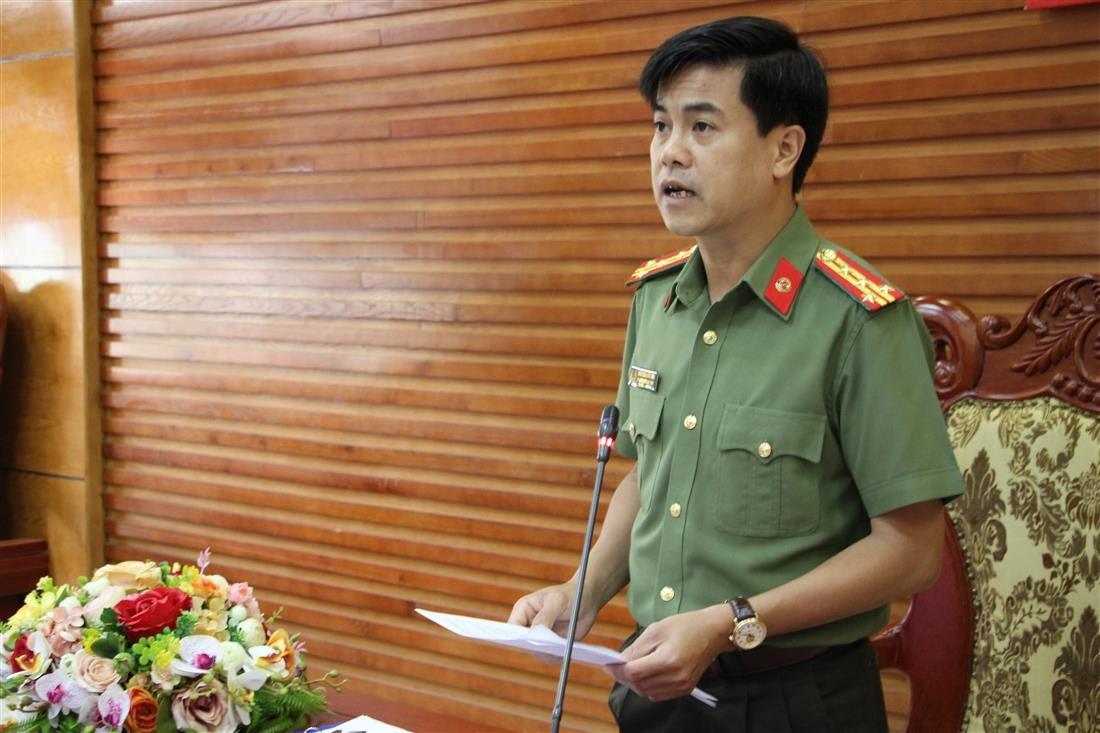 Đồng chí Đại tá Nguyễn Đức Hải, Phó Giám đốc Công an tỉnh tham luận tại Hội nghị