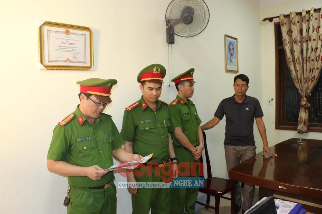 Cơ quan CSĐT thi hành lệnh giữ người trong trường hợp khẩn cấp đối với ông Nguyễn Tâm Long vào ngày 23/7/2020
