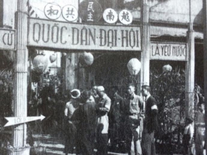 Chuẩn bị bầu cử Quốc hội khóa I tại ngõ Phất Lộc (Hà Nội) năm 1946. Ảnh tư liệu