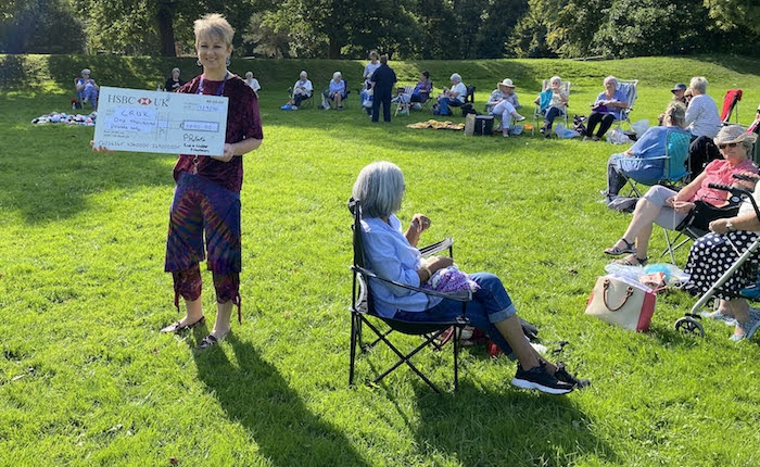 Knit and Natterers raise £1,000 for Cancer Research
